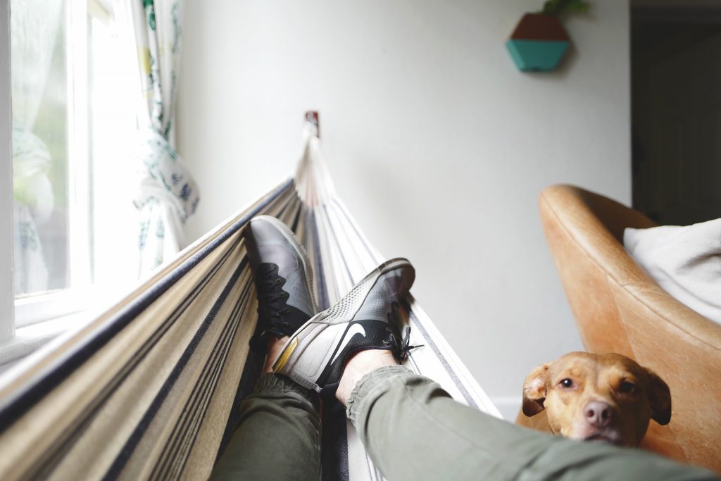 Rede de descanso dentro de casa